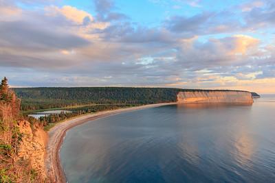 Baie de la Tour et son lac d'eau douce à quelques mètres de l'océan