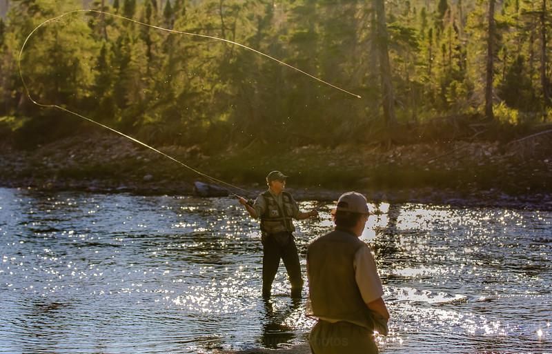 Pêcheur et son guide, rivière Jupiter, Anticosti
