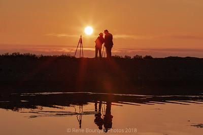 Des participants du safari photo 2018 à l'oeuvre au lever du jour .