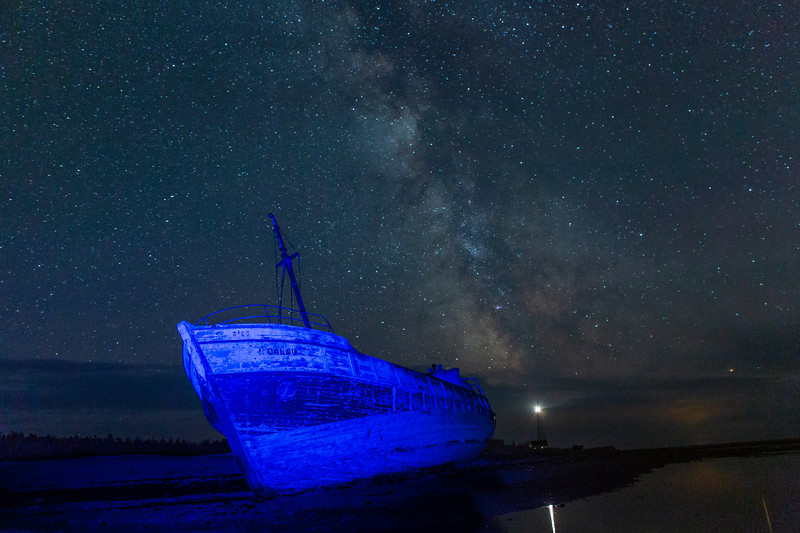 Light painting, Calou, shipwreck, milky way, Anticosti, lighthouse