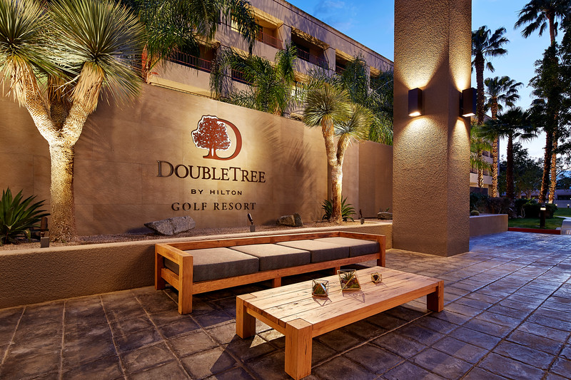 DoubleTree Palm Spring Golf