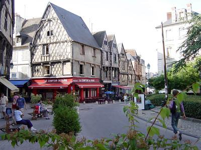 Bourges Centre Ville Juin 2003 03 C-Mouton