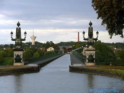 Pont-Canal 402 C-Mouton