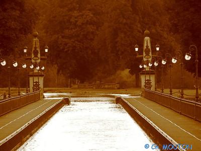 Pont-Canal 404 C-Mouton