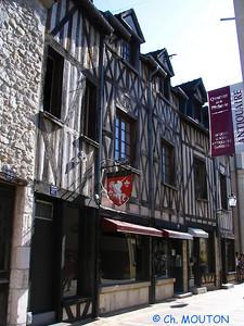 Montargis ville 11 C-Mouton