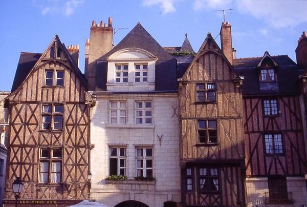 21 Place Plumereau à Tours (37) Duriez-800