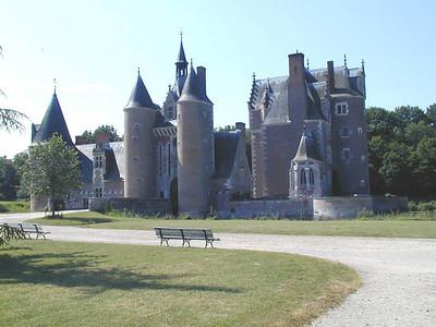 Chateau du Moulin exterieur C-Mouton