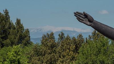Le mont Ventoux vu depuis le château de Lacoste