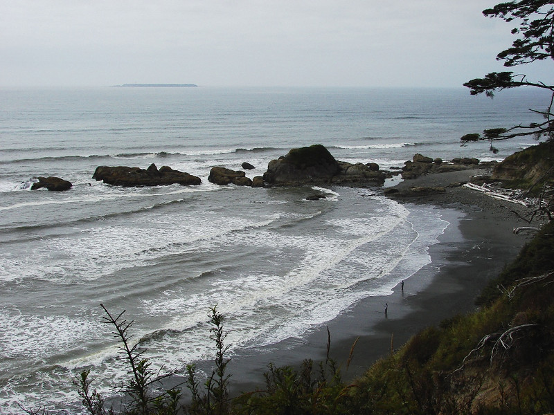 Beach #4, near Kalaloch, WA - Looking north from the lookout at the trail head down to the beach. Note the two fishermen on the beach.