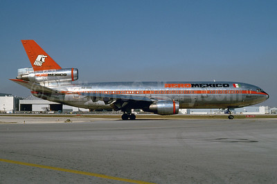 Airline Color Scheme - Introduced 1972 - Best Seller