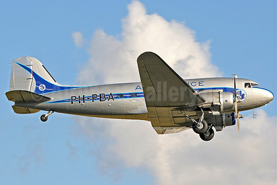 Air France (Dutch Dakota Association) Douglas C-47A-DK (DC-3A-456) PH-PBA (msn 19434) QFO (Keith Burton). Image: 900328.