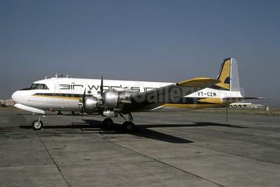 Air Works India Douglas C-54A-15-DC (DC-4) VT-CZW (msn 10353) (Pierre-Alain Petit). Image: 951837.