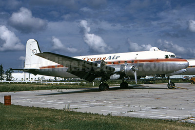 TransAir (Canada) Douglas DC-4-1009 CF-TAW (msn 42914) YWG (Bruce Drum). Image: 100625.