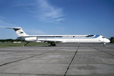 Aerolineas Argentinas McDonnell Douglas MD-88 LV-VGB (msn 53446) AEP (Bruce Drum Collection). Image: 952269.