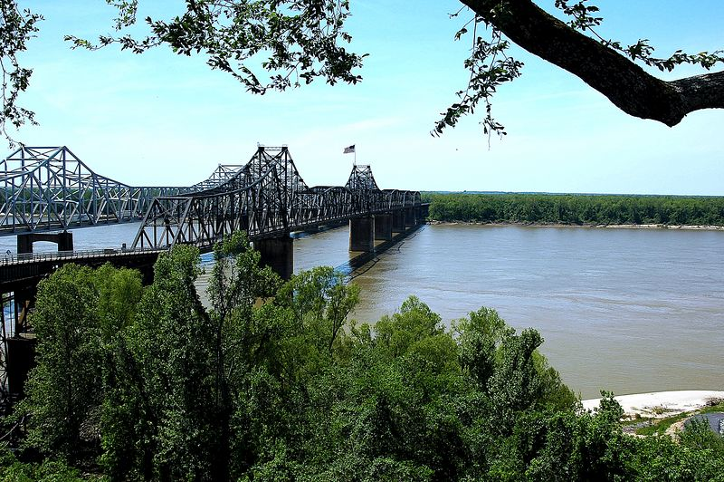 The Old and the New <br> Vicksburg, Mississippi