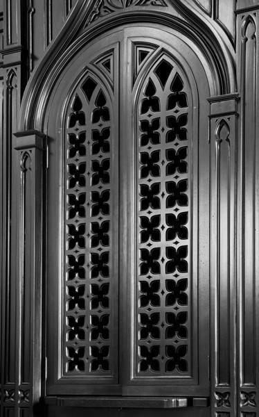 Confessional-8299-LM1-B&W