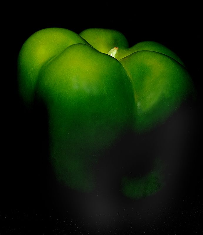 Green Capsicum,<br /> First Place,<br /> Shades Valley Camera Club,<br /> March 2006