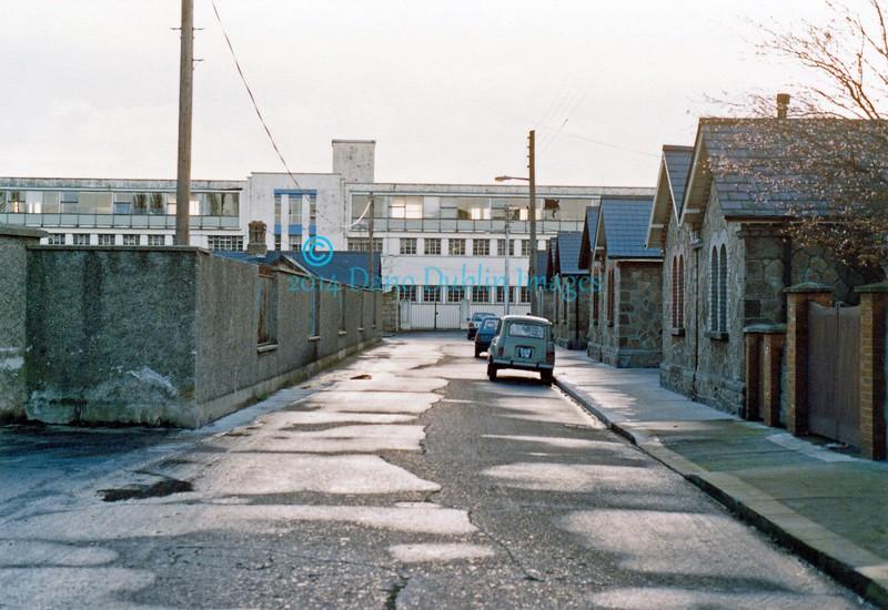 Irish Sweepstakes Building - Image 11
