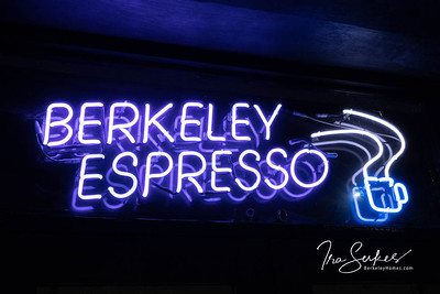 us-ca-berkeley-neon-restaurant-cafe-cafeteria-diner-berkeley-espresso-1900-shattuck-neon-glowing-night-1