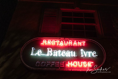 us-ca-berkeley-neon-restaurant-cafe-cafeteria-diner-batteau-ivre-2629-telegraph-neon-glowing-night-03