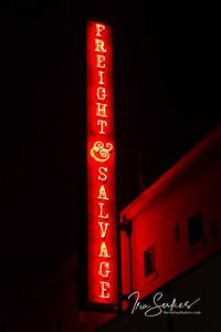 us-ca-berkeley-neon-theater-freight-&-salvage-2020-addison-neon-glowing-night