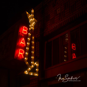 us-ca-berkeley-neon-restaurant-cafe-cafeteria-diner-khanna-peena-1889-solano-neon-glowing-night-05