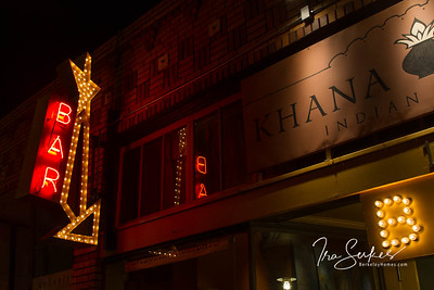 us-ca-berkeley-neon-restaurant-cafe-cafeteria-diner-khanna-peena-1889-solano-neon-glowing-night-02