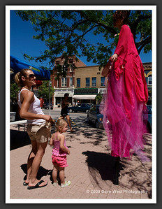 Stiltwalkers in Downtown Collingwood  06-27-09 45