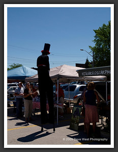 Stiltwalkers in Downtown Collingwood  06-27-09 2