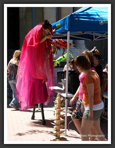 Stiltwalkers in Downtown Collingwood  06-27-09 27