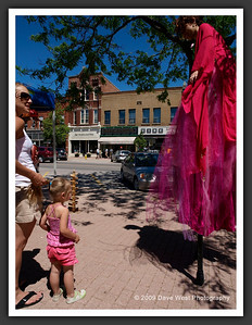 Stiltwalkers in Downtown Collingwood  06-27-09 44