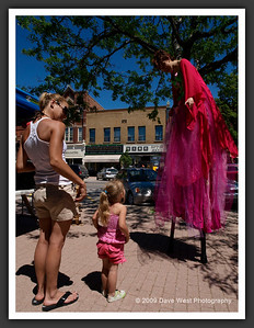 Stiltwalkers in Downtown Collingwood  06-27-09 42