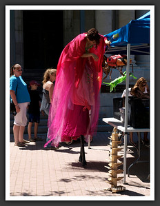 Stiltwalkers in Downtown Collingwood  06-27-09 25