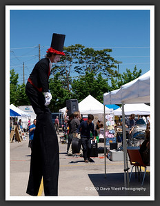 Stiltwalkers in Downtown Collingwood  06-27-09 15
