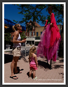 Stiltwalkers in Downtown Collingwood  06-27-09 47