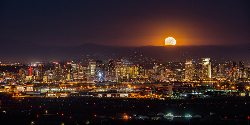 """Supermoon City"""