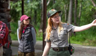 Ranger Jasa Woods teaches Bear School