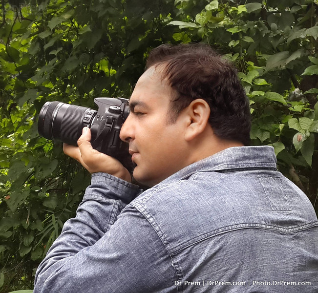 Lens Enthusiast Caught On Lens