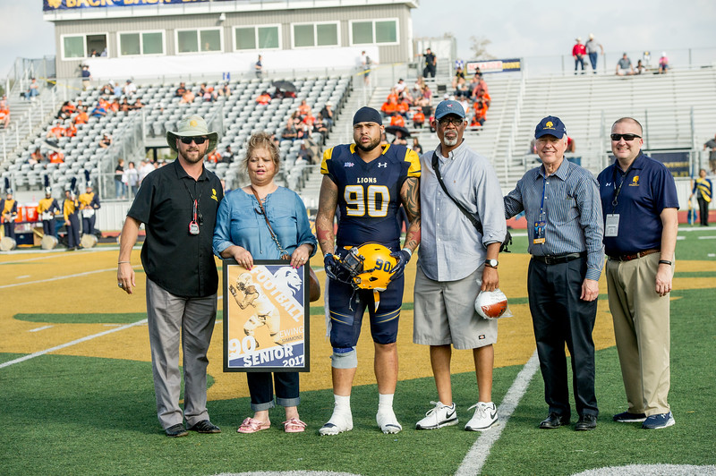 M18072-Senior Day Football game-9669