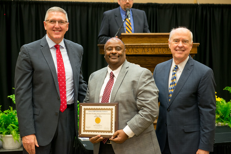 17302-event-Faculty Awards-0111