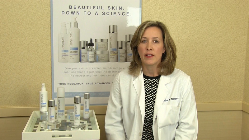 Dr Pennoyer MD  Retinoid Retexturizing Neck Balm