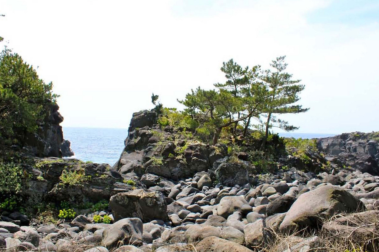Kannon Cove in which one finds the spherical stone.