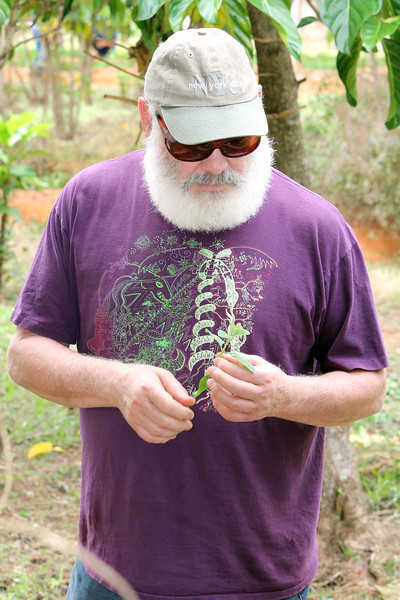 Dr. Weil in the herb garden at the Juan Tomás Roig experimental station.