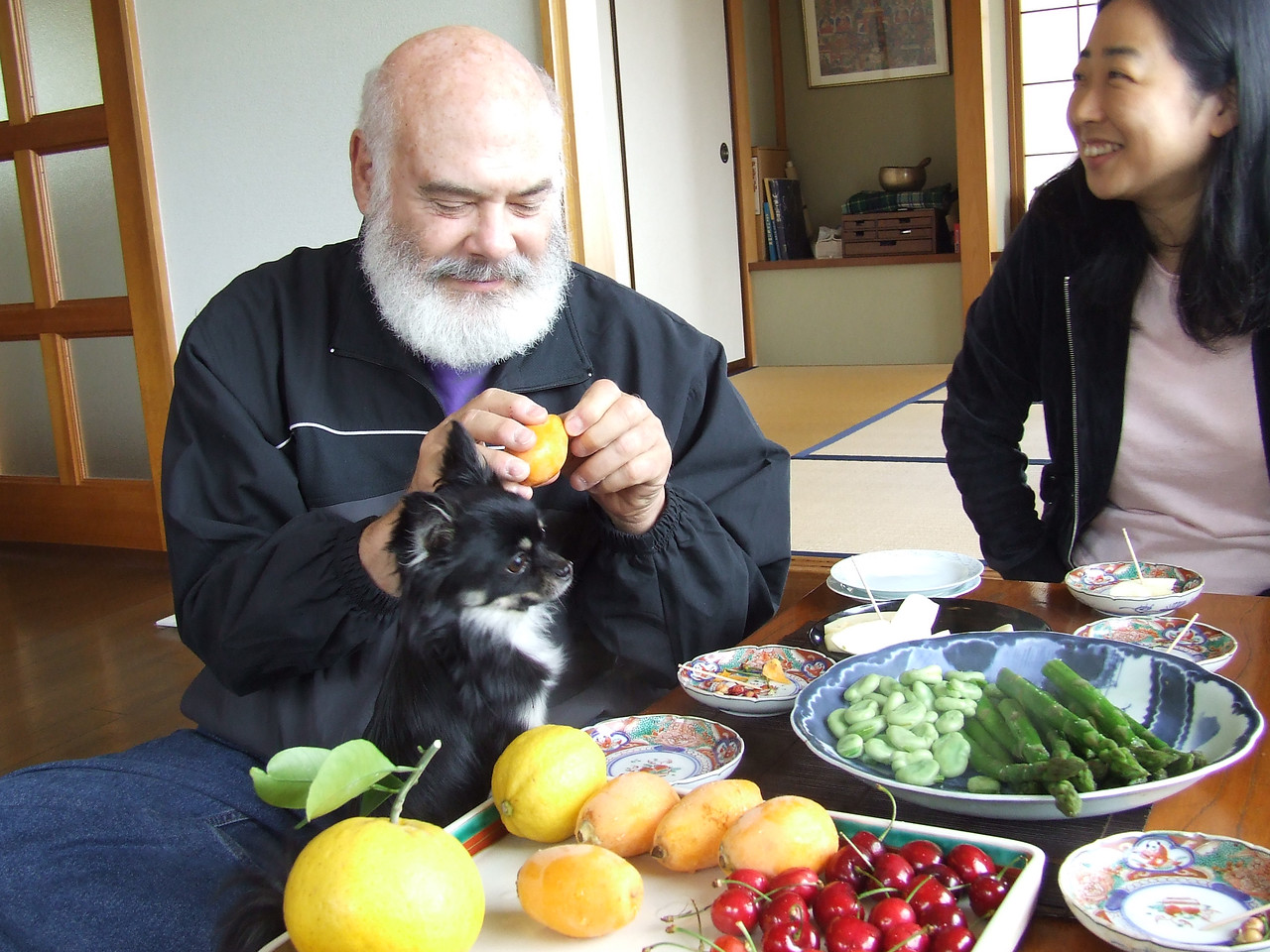I'm enjoying fresh fruits and vegetables at the home of Keiichi Ueno, who has translated all of my books into Japanese. He and his wife, Harumi Sugiwara, have a beautiful home and garden in Ito City.