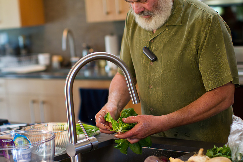 """I use organic spinach. Spinach is a member of the """"Dirty Dozen"""" - fruits and vegetables generally containing the highest concentrations of pesticide residues that you should always buy organic. Learn which fruits and veggies make up the <a href=""""http://www.drweil.com/drw/u/ART02985/Foods-You-Should-Always-Buy-Organic.html""""> Dirty Dozen</a>."""