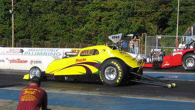 Marty Danko lines up against Mike Hall, who carries on the famous Shenandoah name for dad Harry Hall. Mike got this win at 6.843, 197.34 as Marty had troubles hooking up and trailed at 8.30, 180.