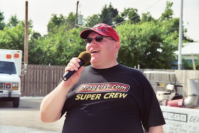 Here's motormouth himself (BP) addressing the crowd before the first round. Seriously, we were proud to be back at Eddyville for our third year and i was happy to be able to thank the Eddyville fans, racers, and especially Gerald and his excellent track crew for welcoming us back.