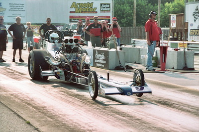 Mark Worden and the Stanke Bros. blown alcohol machine took two straight from the Nitemare fueler.