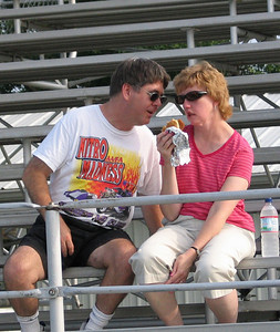 Our friends and owners of the Nitro Madness AA/FA, Scott and Peggy Gaulter, came down to watch the action.