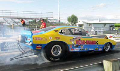 Randy Baker doing a burnout in Danny Miller's Plastic Fantastic Ford Maverick.